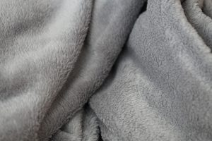 Benefits of sleeping with a weighted blanket for anxiety